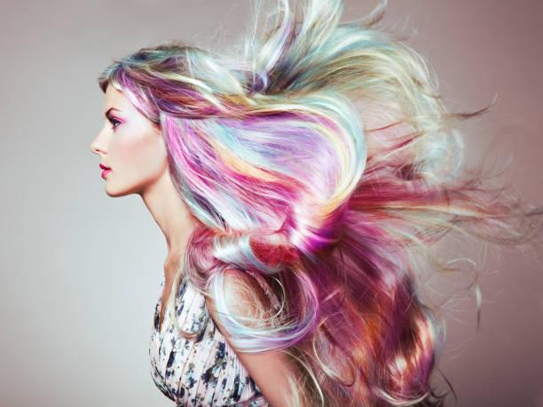cabello con muchos colores